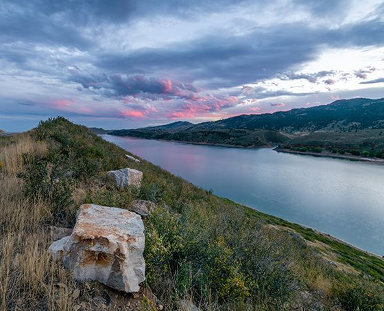 horsetooth reservoir at dusk